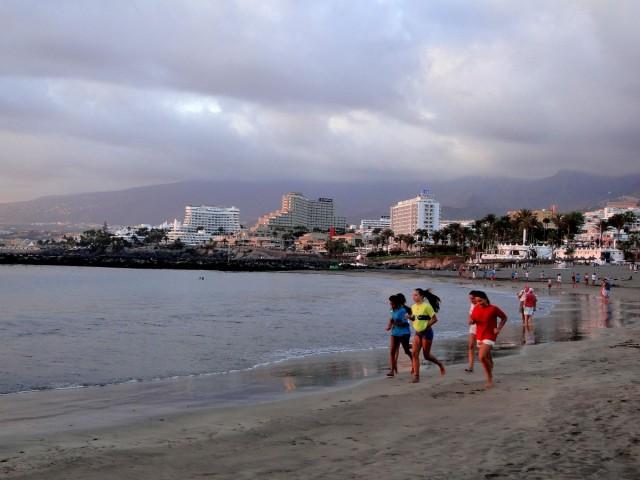Zdjęcia: Playa de las Americas, Wyspy Kanaryjskie, Teneryfa, Wieczór na plaży., HISZPANIA