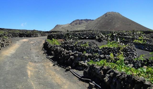 Zdjęcia: Lanzarote, Wyspy Kanaryjskie, Droga do La Corona., HISZPANIA