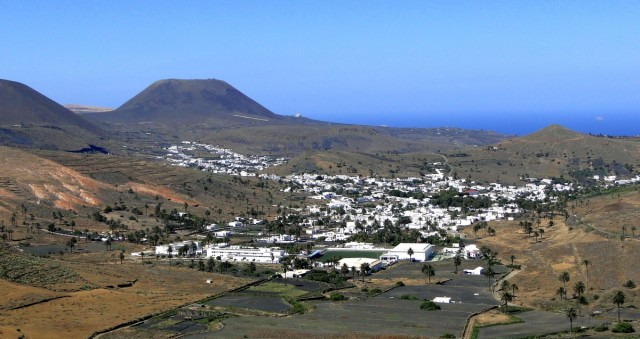 Zdjęcia: Lanzarote, Wyspy Kanaryjskie, Widok na Dolinę Tysiąca Palm., HISZPANIA