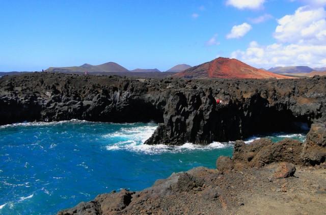 Zdjęcia: Lanzarote, Wyspy Kanaryjskie, Pocztówka z Lanzarote - Los Hervideros., HISZPANIA