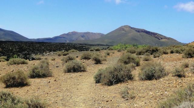 Zdjęcia: Lanzarote, Wyspy Kanaryjskie, Widok spod stóp Caldera Blanca., HISZPANIA
