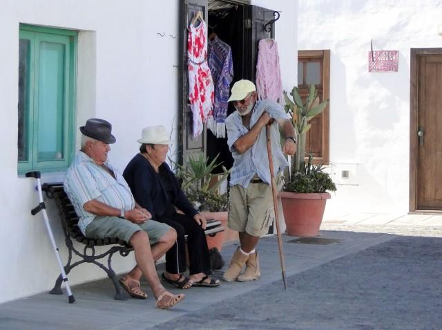 Zdjęcia: Lanzarote, Wyspy Kanaryjskie, Wspomnienie z Lanzarote - sąsiedzkie pogawędki., HISZPANIA