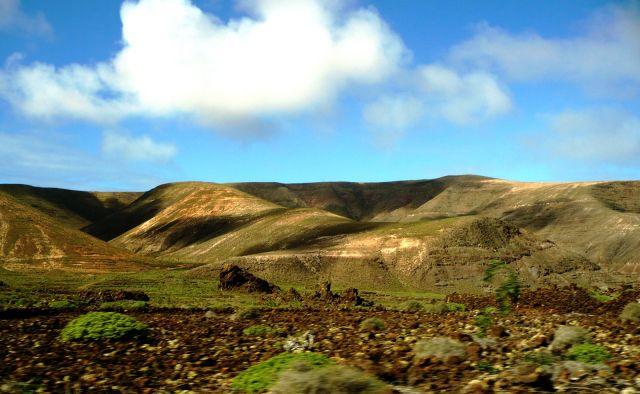 Zdjęcia: Lanzarote, Lanzarote, zielone wzgorza, HISZPANIA