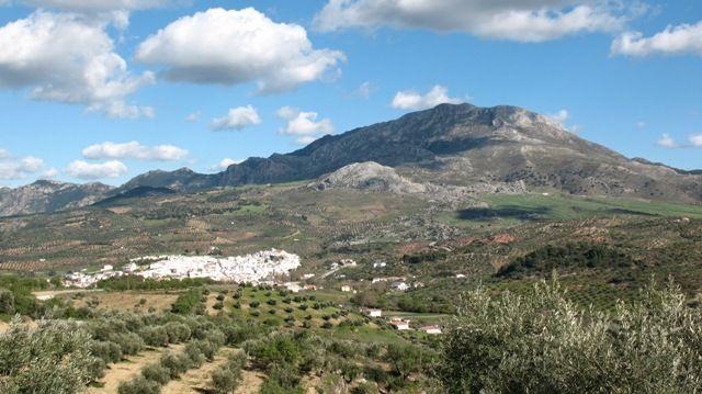 Zdjęcia: Alozaina, Andaluzja, widok na Alozaine, HISZPANIA