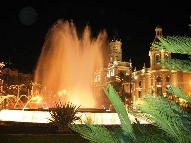 Zdjęcia: Valencia, Valencia, Plaza Ayuntamiento nocą..., HISZPANIA