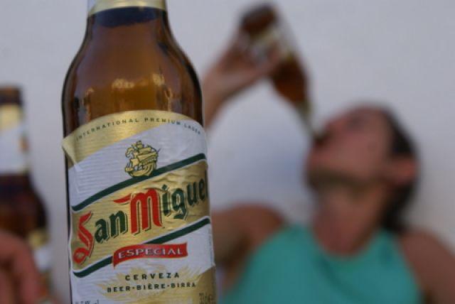 Niestety musze Ciebie wyprowadzić z błędu San Miguel to piwo hiszpańskie prod   -> Hiszpania Kuchnia Tradycyjna
