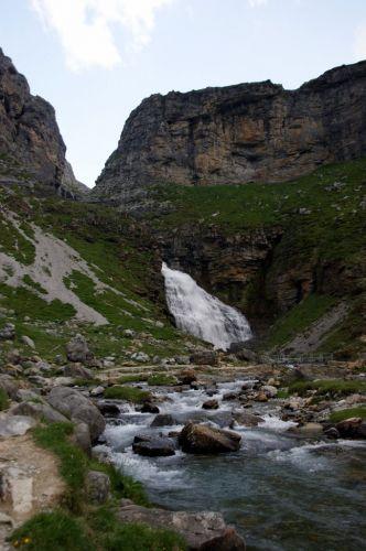 Zdj�cia: Srodkowe Pireneje, Parqe Nacional de Ordesa, Cola de Caballo, HISZPANIA