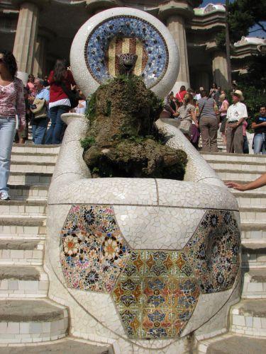 Zdjęcia: OGRODY GAUDIEGO, Catalunya, fontanna, HISZPANIA