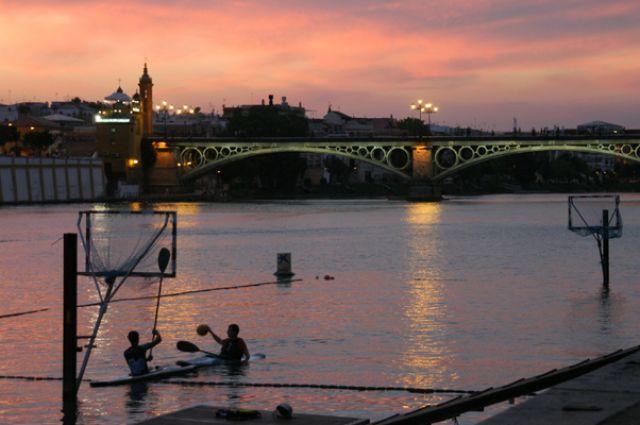Zdjęcia: Sevilla, Andaluzja, Nad rzeką, HISZPANIA