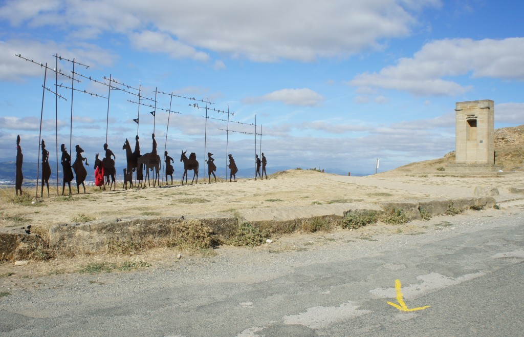 Zdjęcia: Alto del Perdón, 735 m.n.p.m,  Nawarra , Pielgrzymi, HISZPANIA