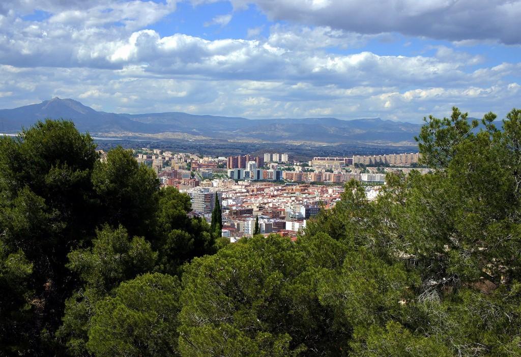 Zdjęcia: Zamek św. Barbary - Castillo de Santa Bárbara, Alicante, Błękit i zieleń, HISZPANIA