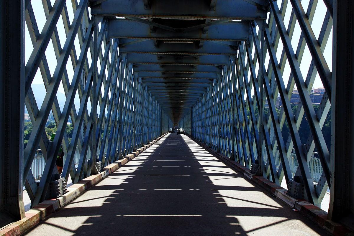 Zdjęcia:  Rzeka Minho, Tui, Most graniczny pomiędzy Portugalią a Hiszpanią, HISZPANIA
