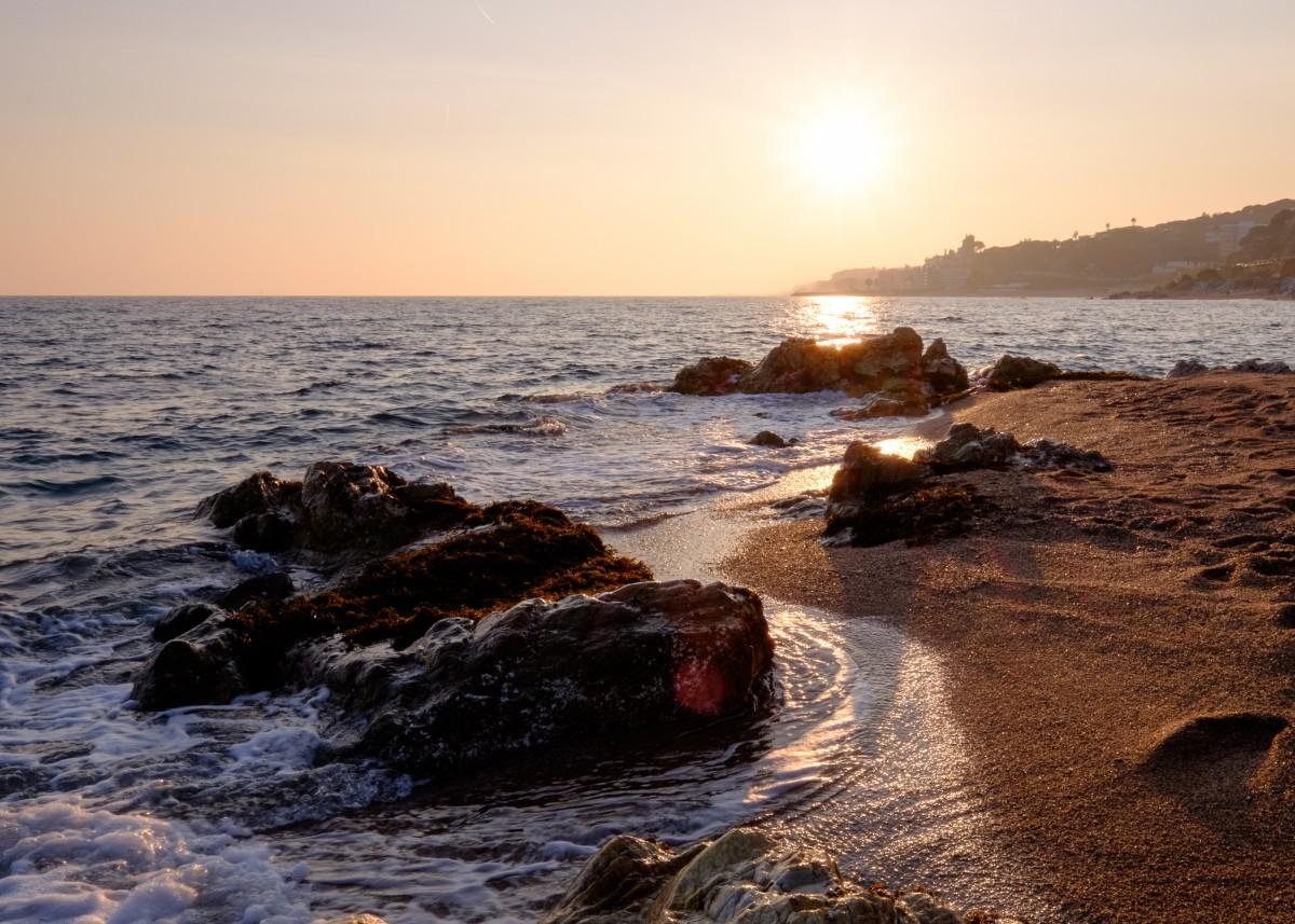 Zdjęcia: Calella, Katalonia, Zimowy zachód słońca na Costa Brava, HISZPANIA