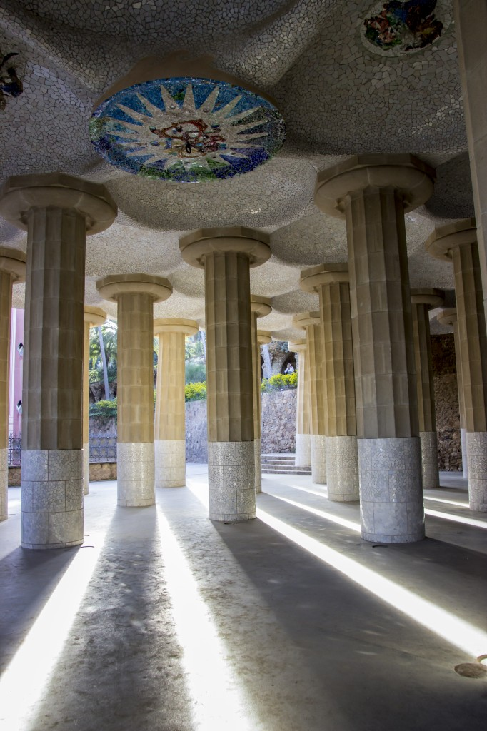 Zdjęcia: Barcelona, Katalonia, kolumny w Park Guell, HISZPANIA