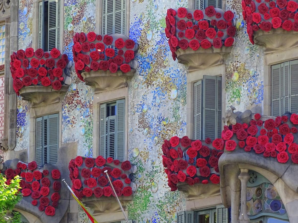 Zdjęcia: Barcelona, Katalonia, Casa Batlló - wystrojona świątecznie, HISZPANIA