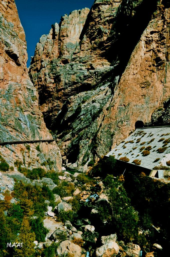 Zdjęcia: El Caminito Del Rey, Andaluzja, Ściany w El Caminito, HISZPANIA