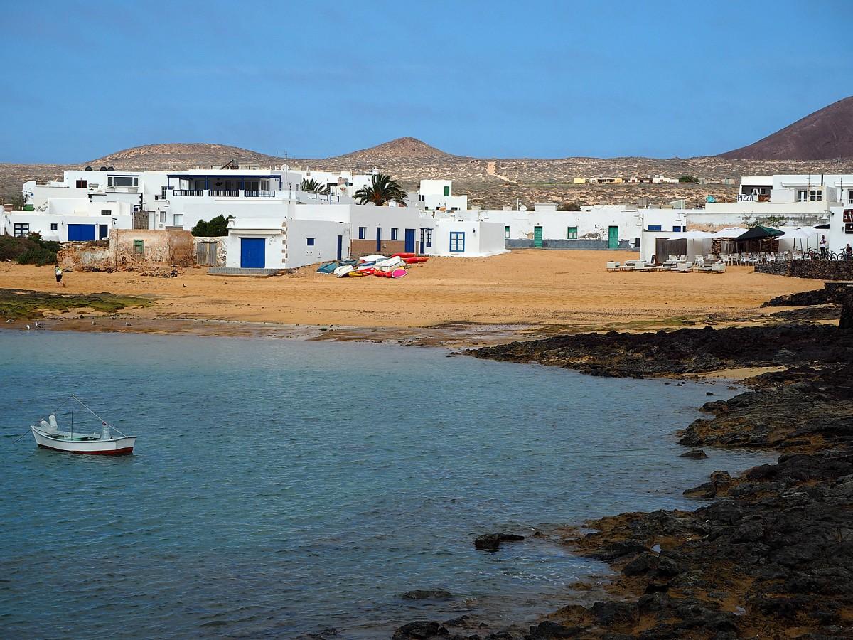 Zdjęcia: La Graciosa, Wyspy Kanaryjskie, Caleta del Sebo, HISZPANIA