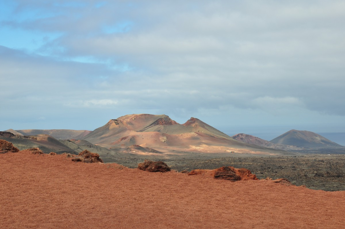 Zdjęcia: droga do wulkanu, Lanzarotte, surowy pejzarz, HISZPANIA