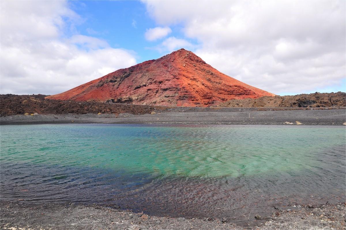 Zdjęcia: Playa Montaña Bermeja, Wyspy Kanaryjskie, Wyspa jak wulkan gorąca..., HISZPANIA