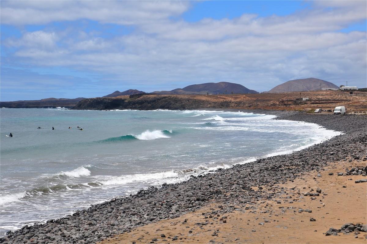 Zdjęcia: Lanzarote, Wyspy Kanaryjskie, Plaża w Arrieta, HISZPANIA