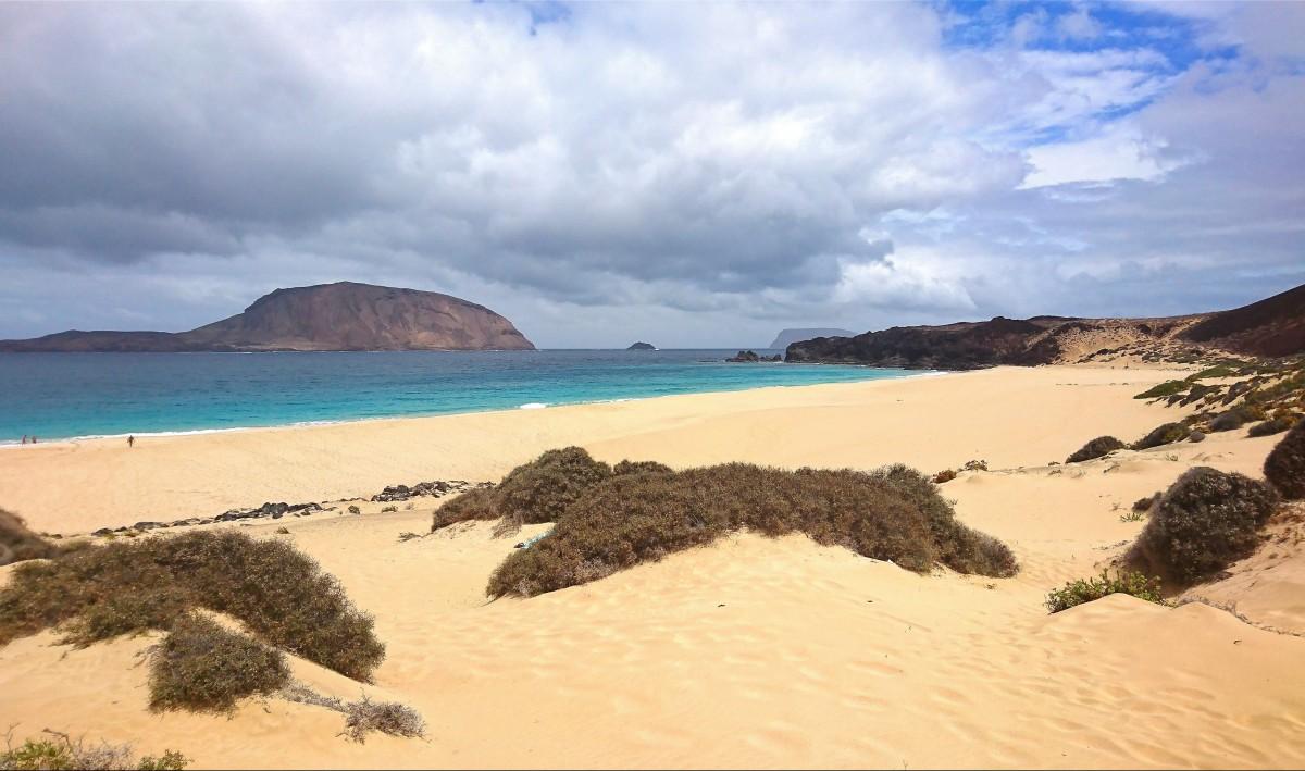 Zdjęcia: La Graciosa, Wyspy Kanaryjskie, Playa De Las Conchas, HISZPANIA