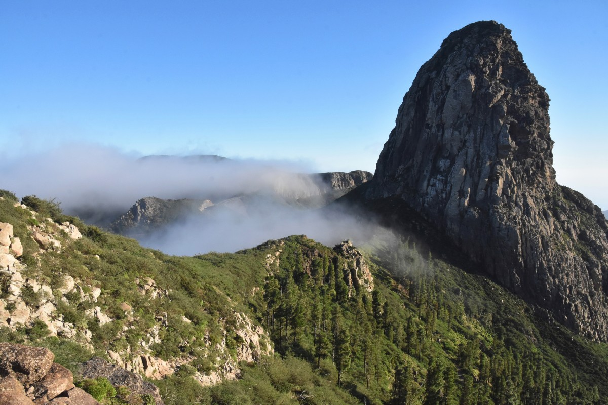 Zdjęcia:  w drodze do San Sebastian, La Gomera, Wśród chmur, HISZPANIA