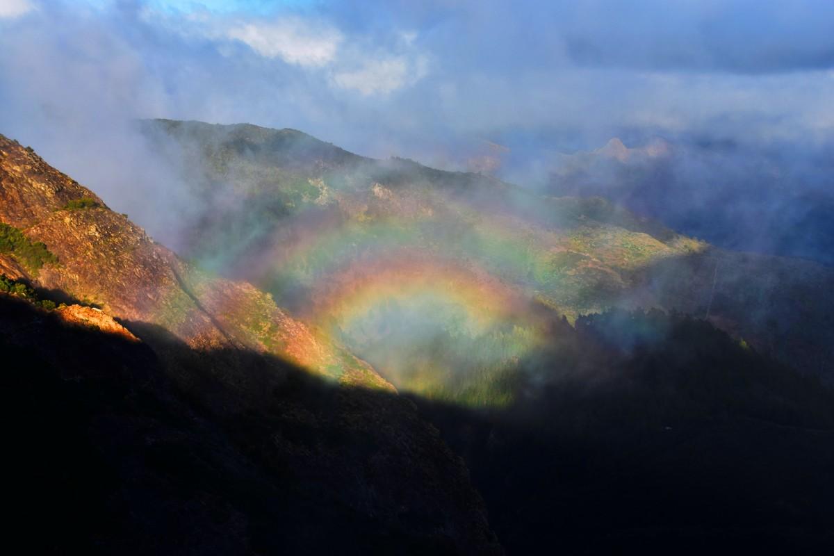 Zdjęcia:  w drodze do San Sebastian, La Gomera, Tęcza, HISZPANIA
