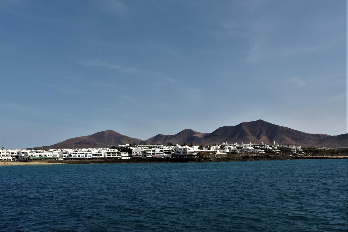 Zdjęcia: Parque Nacional de Timanfaya, Wyspy Kanaryjskie, Lanzarote, Miasto portowe Playa Blanca, HISZPANIA