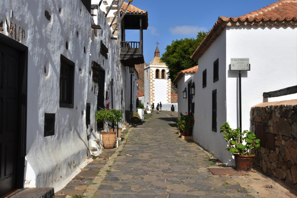 Zdjęcia: Betancuria, Fuertventura, Uliczka w Betancurii, HISZPANIA