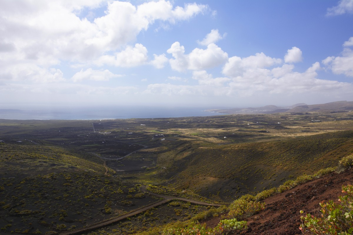 Zdjęcia: u podnóża wulkanu La Corona, Wyspy Kanaryjskie, wulkaniczne krajobrazy Lanzarote, HISZPANIA