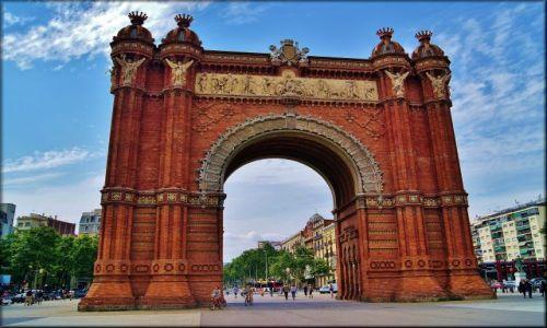 Zdjęcie HISZPANIA / Katalonia / Barcelona / Arc de Triomf - od strony parku
