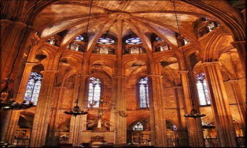 HISZPANIA / Katalonia / Barcelona - Catedral de Barcelona - nawa główna / Katedra