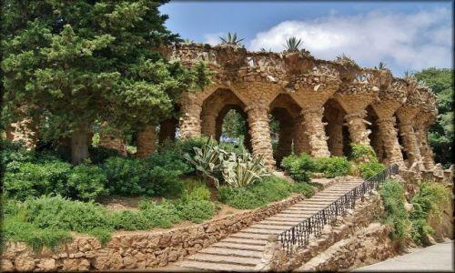 Zdjecie HISZPANIA / Katalonia / Barcelona - Park Güell / Bajkowo w Parku Güell