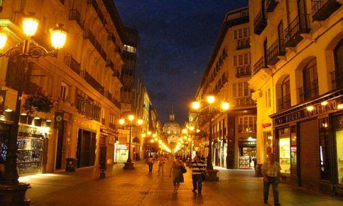 Zdjęcie HISZPANIA / Aragonia / Saragossa / wieczór w Saragosie
