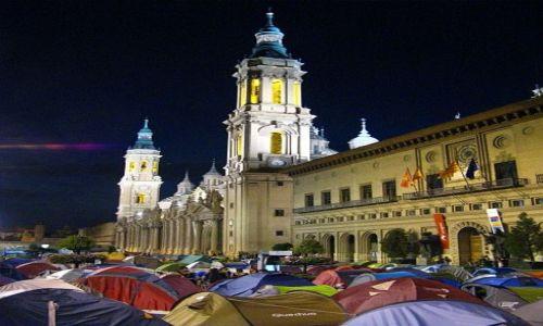 HISZPANIA / Aragonia / Saragossa / wieczór w Saragosie