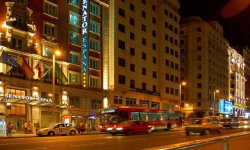 HISZPANIA / Kastylia / Madryt / Gran Via nocą.