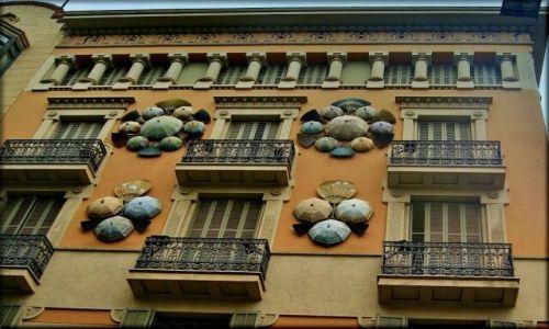 HISZPANIA / Katalonia / Barcelona - Ramblas / Dom Parasoli - Casa dels Paraďgues