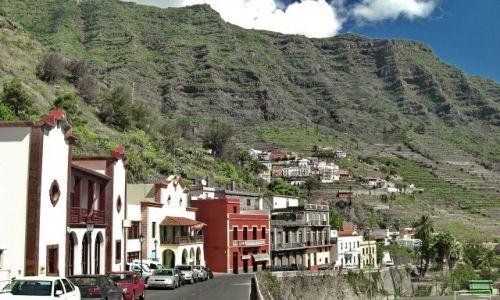 Zdjęcie HISZPANIA / La Gomera / Hermigua / Jedyna uliczka w Hermigua na La Gomerze