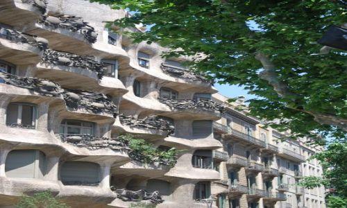 Zdjecie HISZPANIA / Katalonia / Barcelona / Dom wizjonera Gaudiego