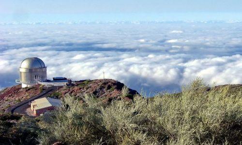 Zdjecie HISZPANIA / La Palma / Caldera de Taburiente / Samotne obserwatorium na 2,5 km