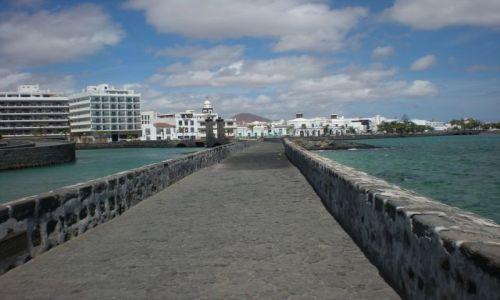 Zdjecie HISZPANIA / Wyspy Kanaryjskie / Lanzarote / Arrecife- stoli