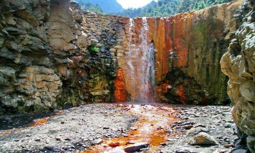 Zdjecie HISZPANIA / La Palma / Caldera de Taburiente / Czerwony wodospad