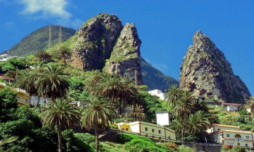 HISZPANIA / La Gomera / Hermigua / Dwie ostre skały