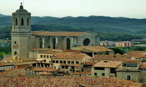 HISZPANIA / Katalonia / Girona / Dachy Girony