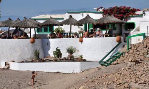 Zdjecie HISZPANIA / - / Papagayos przy plazy / Lanzarote