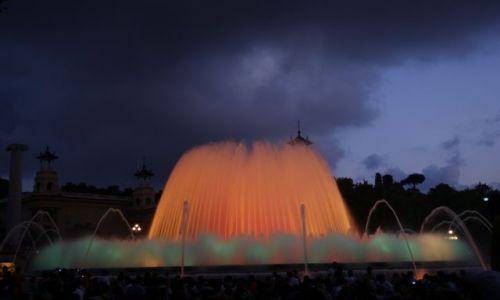 Zdjecie HISZPANIA / Barcelona / Palacio Nacional / Magiczna fontanna