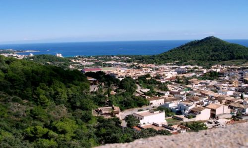 HISZPANIA / Polnocno-wschodnia Majorka / miasteczko Capdepera / Majorka-Capdepera