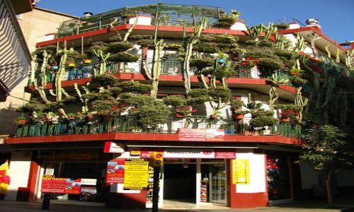 Zdjęcie HISZPANIA / Costa del Maresme / Calella / ulice Calelli