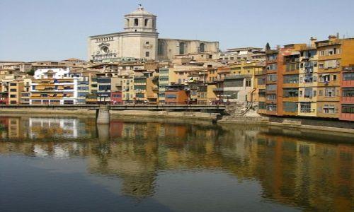 Zdjęcie HISZPANIA / Katalonia / Girona / widok znad rzeki
