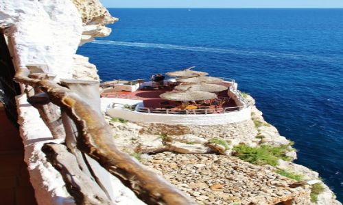 Zdjecie HISZPANIA / Minorka / Xoroi Jaskinia Cova D'en / Kafejka na skale